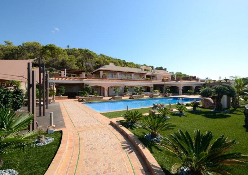 Luxury villa close to Ibiza with 5 bedrooms-54084