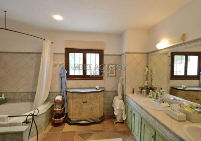 Villa con 5 dormitorios en San Jose Ibiza-61274