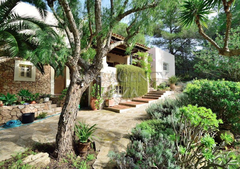 Villa in Benimussa, Ibiza, with 4 dormitorios-CVE50902