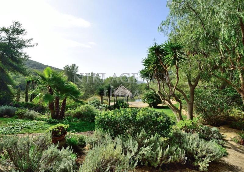 Villa in Benimussa, Ibiza, with 4 dormitorios-CVE50903