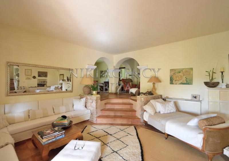 Villa in Benimussa, Ibiza, with 4 dormitorios-CVE50908