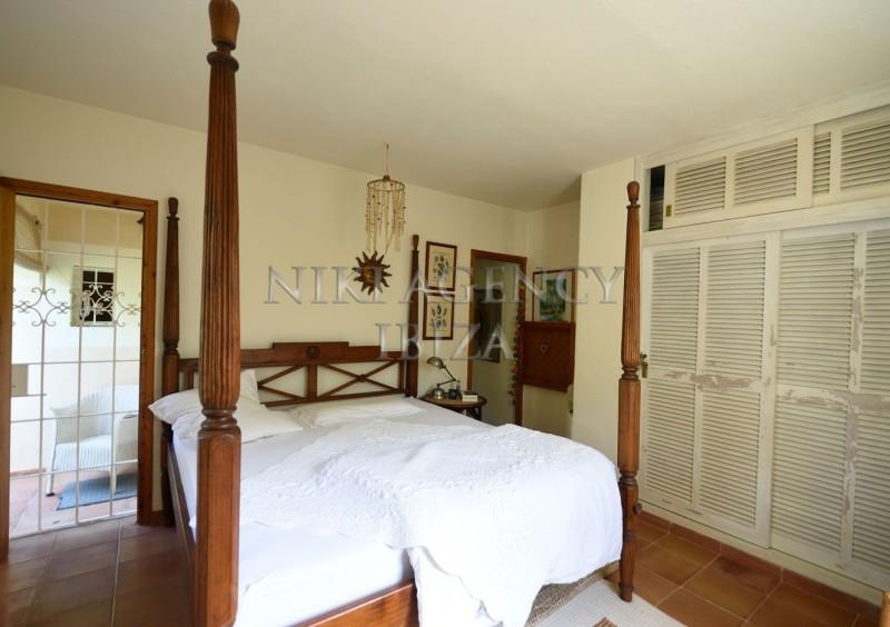 Villa in Benimussa, Ibiza, with 4 dormitorios-CVE50914