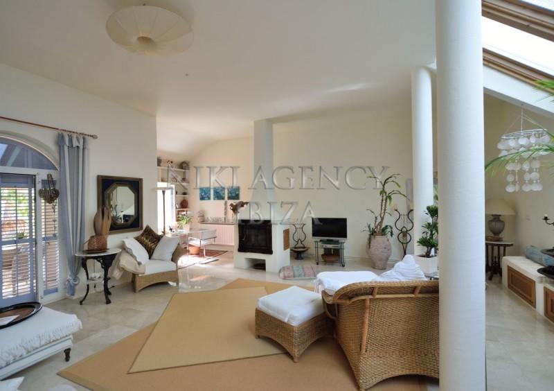 Villa in Benimussa, Ibiza, with 4 dormitorios-CVE50917
