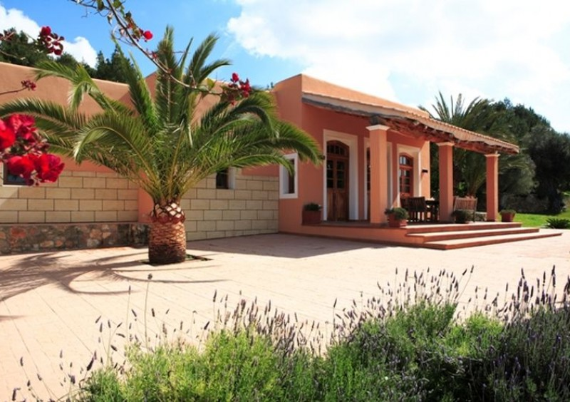 Authentic finca close to Ibiza town-CVE55763
