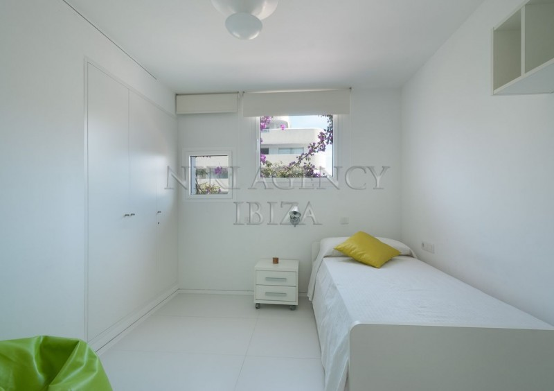 Apartment in Botafoch Ibiza with 3 bedrooms-AVE12842
