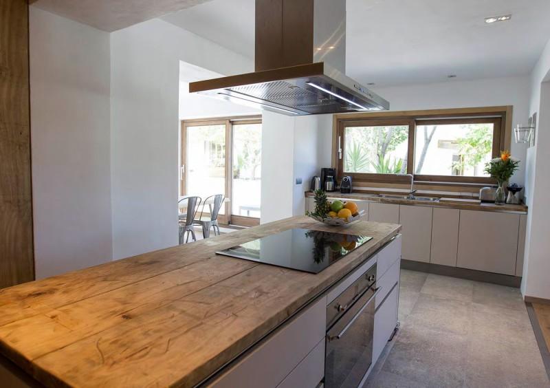 Villa close to San Jose with 6 bedrooms-CVE50052