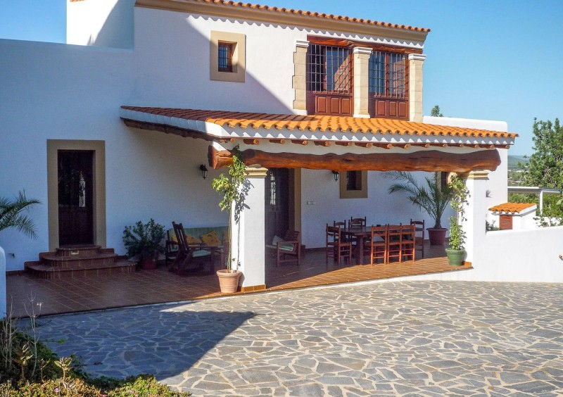 Finca close to Ibiza with 4 bedrooms-CVE51545