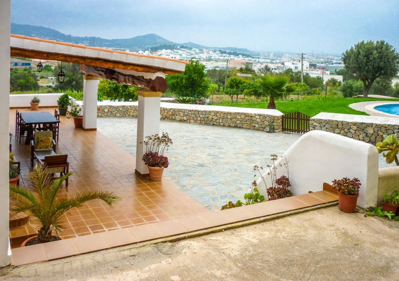 Finca close to Ibiza with 4 bedrooms-CVE51546