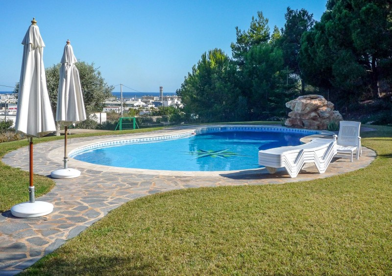 Finca close to Ibiza with 4 bedrooms-CVE51548