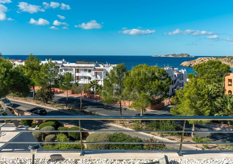 Penthouse in Cala Tarida with seaview-AVE10912