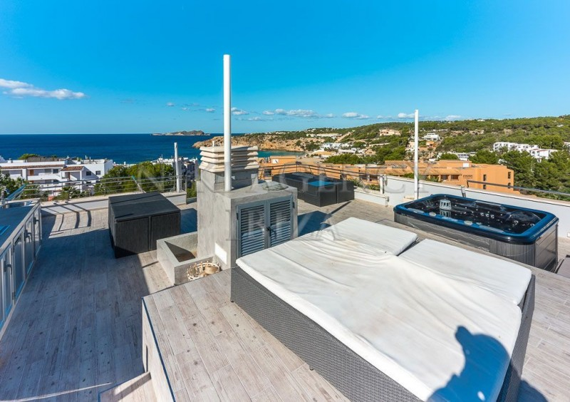 Penthouse in Cala Tarida with seaview-AVE10917
