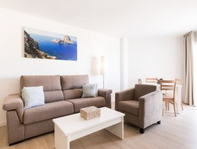 Apartment in first sea line in Cala de Bou