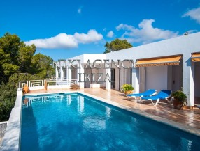Villa in Ibiza Cala Moli with tourist license