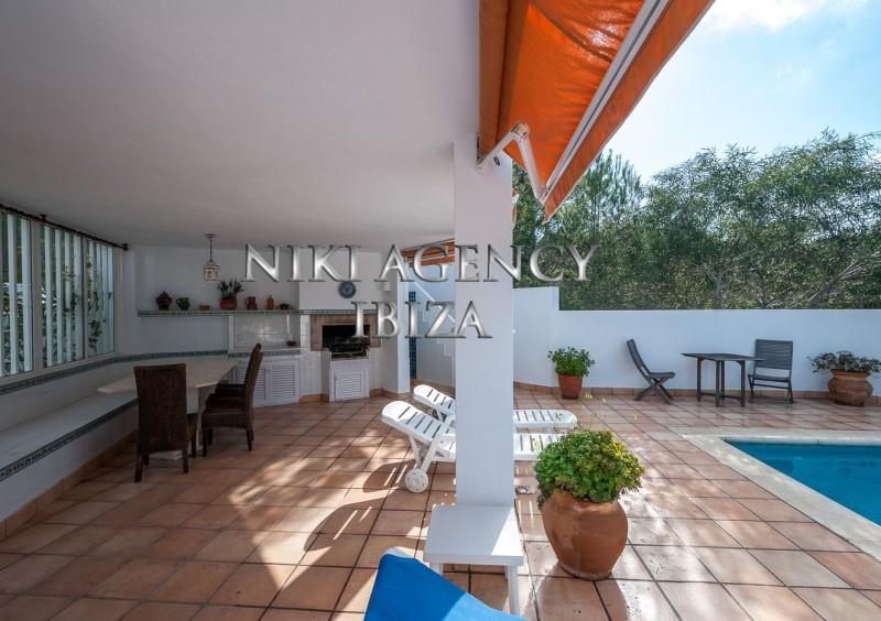 Villa en Ibiza Cala Moli con licencia turística