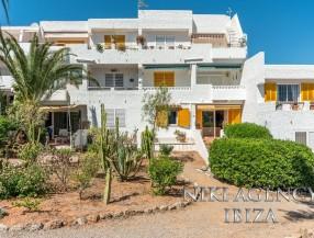 Erdgeschosswohnung in Santa Eulalia, Ibiza