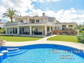 Villa in San Jose Cala de Bou with 5 bedrooms