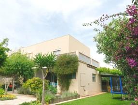 Casa pareada en Santa Eulalia Ibiza