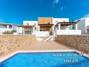 Reihenhaus in Ibiza Cala Vadella