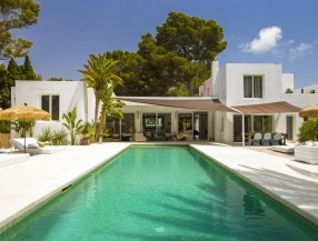 Villa in Ibiza Roca Llisa with tourist rental license
