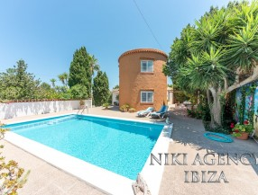 Villa in Port des Torrent Ibiza with 3 bedrooms