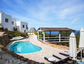 Villa in Ibiza with sea view and tourist rental licence