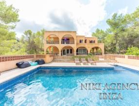 Casa en Ibiza San José con 4 dormitorios