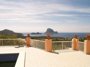 Villa en Cala Carbo con fantasticas vistas al mar