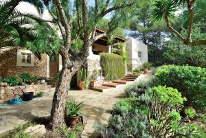 Villa in Benimussa, Ibiza, with 4 dormitorios-CVE50902