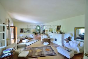 Charming romantic villa surrounded by nature in a quiet location in Benimussa