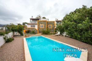 Casa con 3 dormitorios en Cala Bassa-Port des Torrent Ibiza   <div> <span>La información es provista por terceros, nosotros no garantizamos su veracidad.</span> </div>  <!--  <div class=